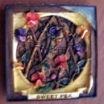 Sweet Pea  Floral Fridge Magnet 2 inch Garden Harmony Kingdom - $7.00