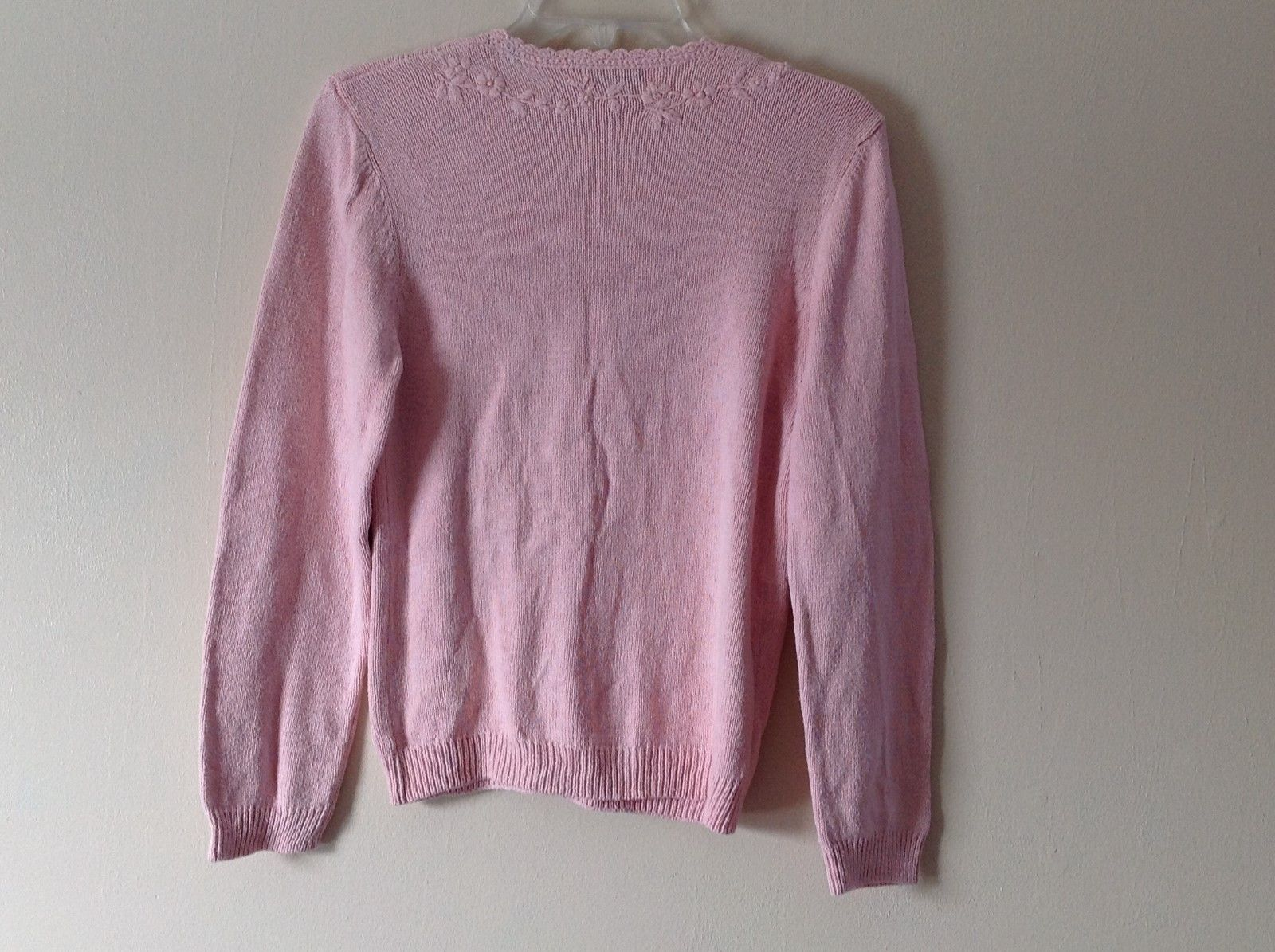 Wemen L.L. Bean Pink knitted v neck cardigan/ sweater pink