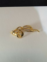 VINTAGE NAPIER BROOCH  LILLY WITH FAUX PEARL   - $0.98
