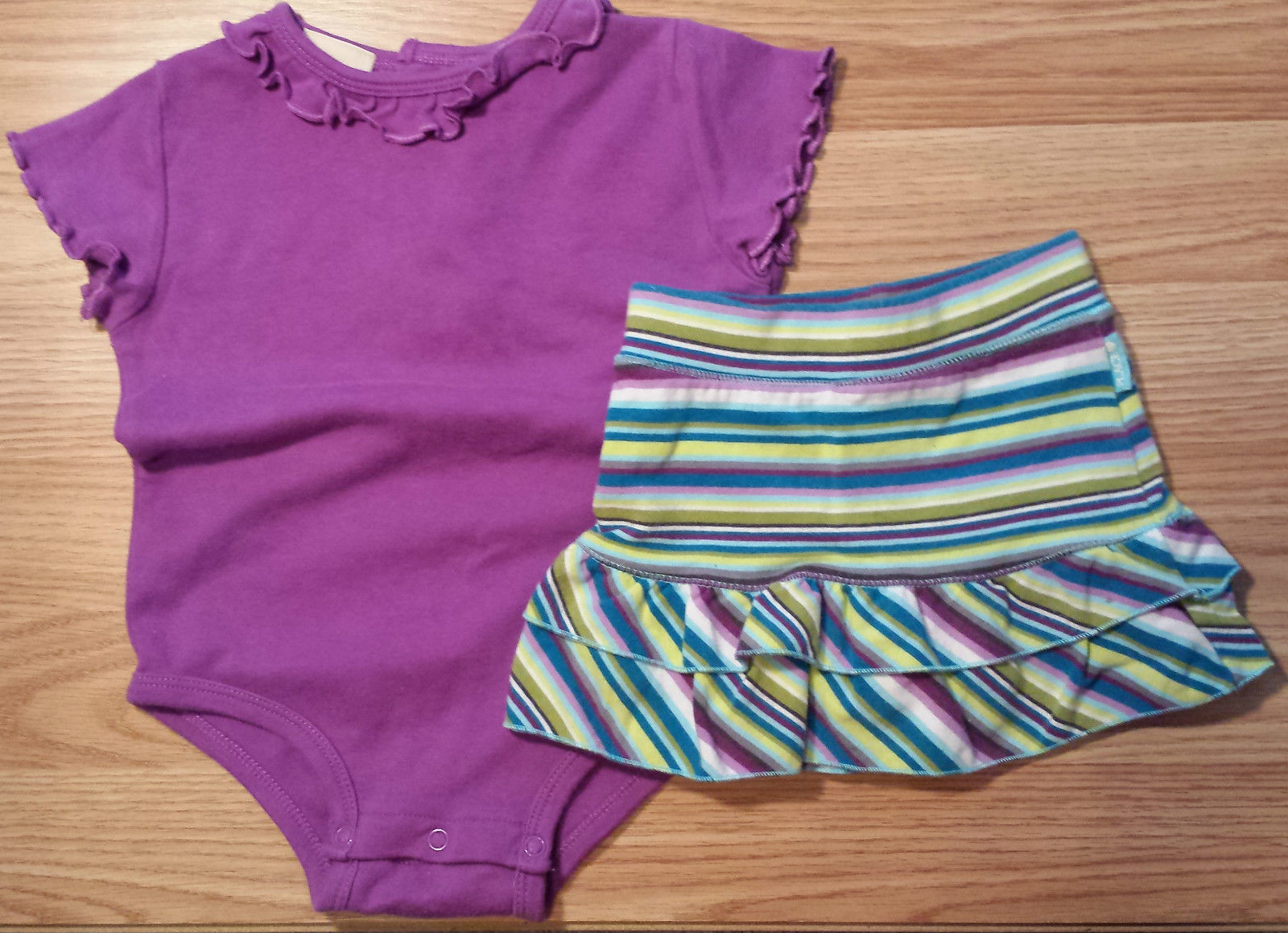 Girl's Size 9-12 M Months Two Pc Purple J Khaki Top & The Children's Place Skirt