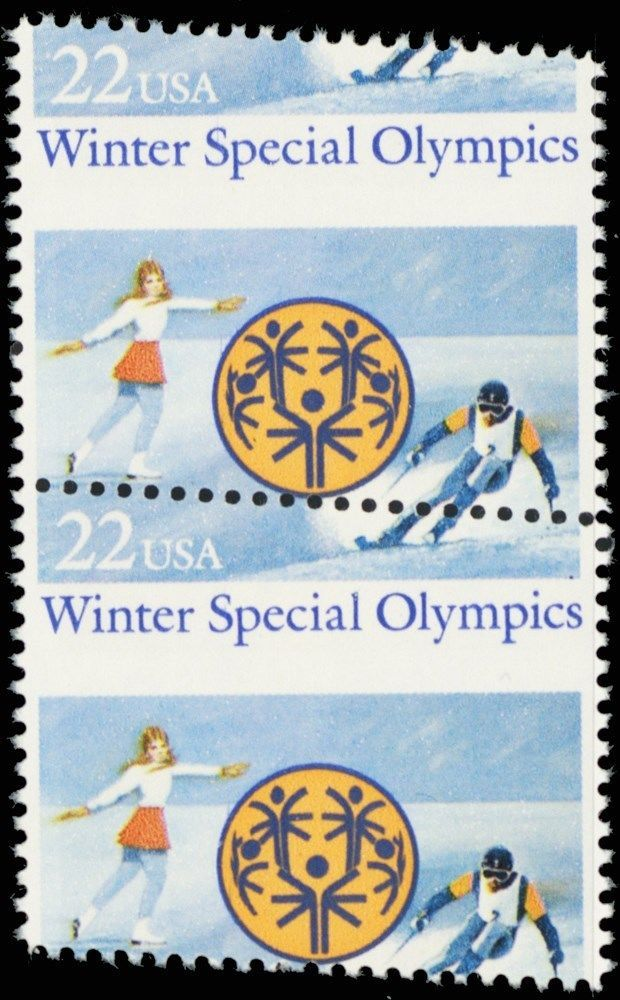 2142, MNH 22¢ Ice Skating Misperforation ERROR Pair of Stamps - Stuart Katz