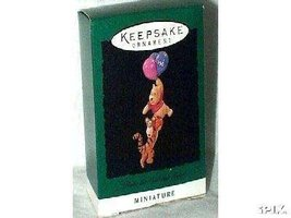 Hallmark Keepsake Ornament - Winnie the Pooh and Tigger 1996 Miniature Orname... - $8.90