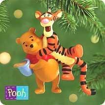 QXD4014 Tigger-ific Tidings to Pooh Winnie the Pooh 2000 Hallmark Miniature K... - $6.43