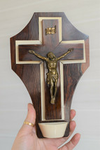 ⭐vintage crucifix ,holy water font ⭐ - $39.00