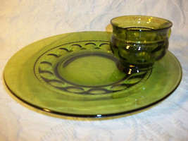Set of 4 Indiana Glass Thumb Print Green Snack Plates With, Cups Mugs Tea Set - $37.13