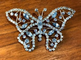 STUNNING VINTAGE ESTATE Blue RHINESTONE BUTTERFLY BROOCH Pin Silver Tone - $6.99