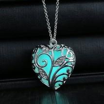 Glowing Blue Tree Of Life Silver Heart Glow In The Dark Womens Pendant N... - €14,65 EUR