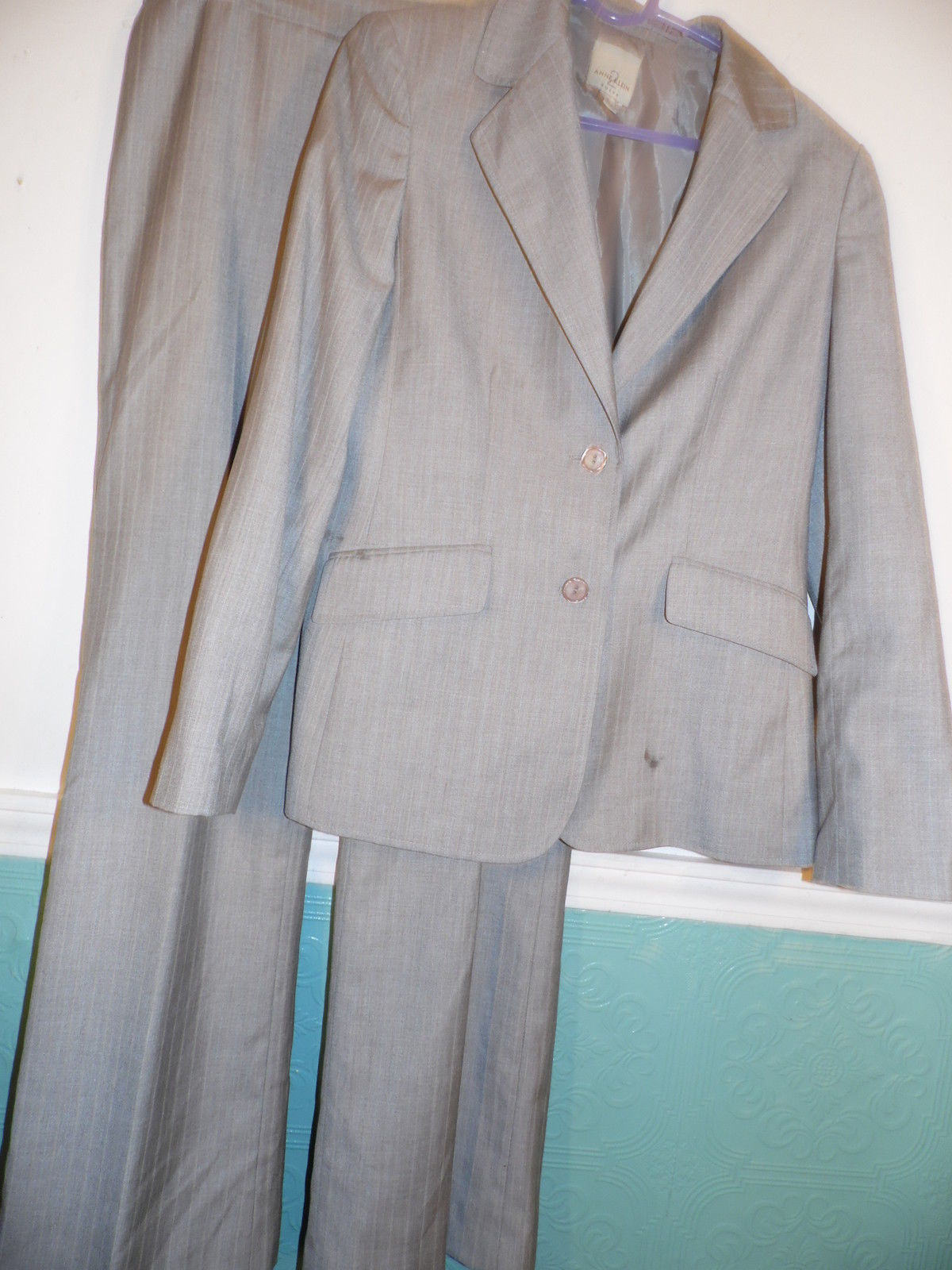 Primary image for Anne Klein 2 Size 8 Pant Suit Pin Stripe Brown Beige White Long Sleeve