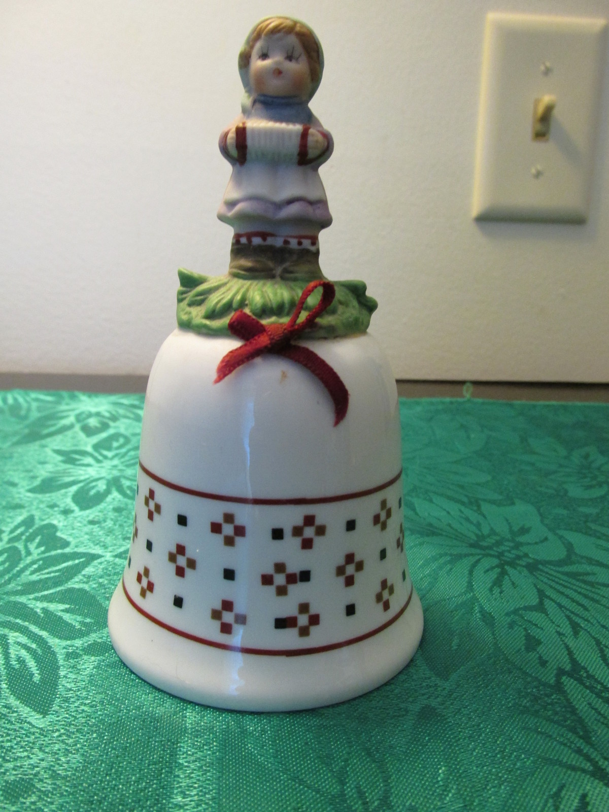 J.S.N.Y. Taiwan Collector's Bell With Girl