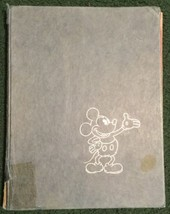VINTAGE 1975 ART OF WALT DISNEY HARDCOVER BOOK  - Blue Mickey Mouse - $9.49