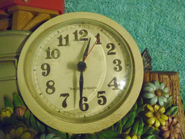 Burwood Productions 1983 Wall Clock Kitcsh Mail  Flowers Plastic image 2