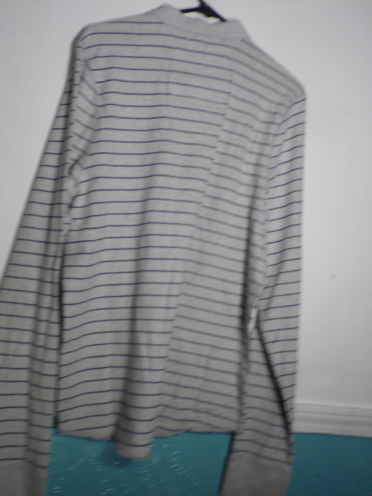 Abercrombie & Fitch Muscle Shirt XXL Gray Blue Narrow Stripe T Shirt Long Sleeve