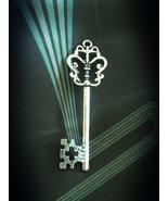 Key thumbtall