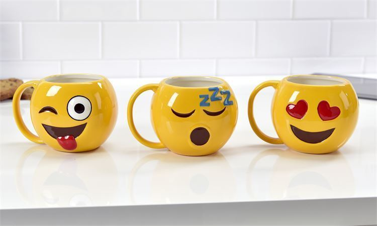 Set of 3 - Emoji Design 18.6 oz Mugs - Ceramic - Wink, Sleep, Love   NEW