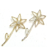Vintage Two Gold Tone Daisy & Faux Pearl Hairpins - $10.99