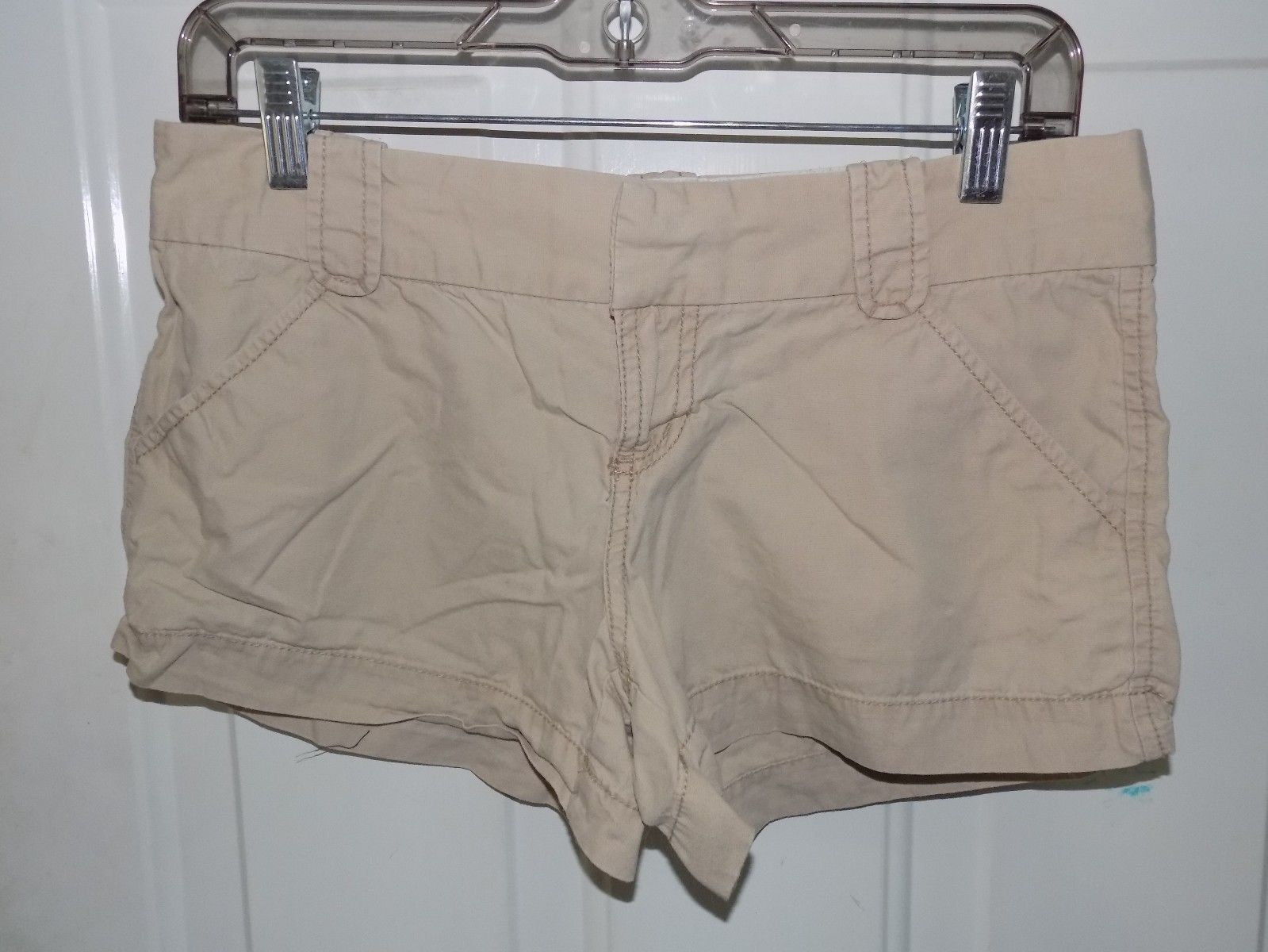 Old Navy Pure White Chino Shorts Women/'s Size 2 NWT