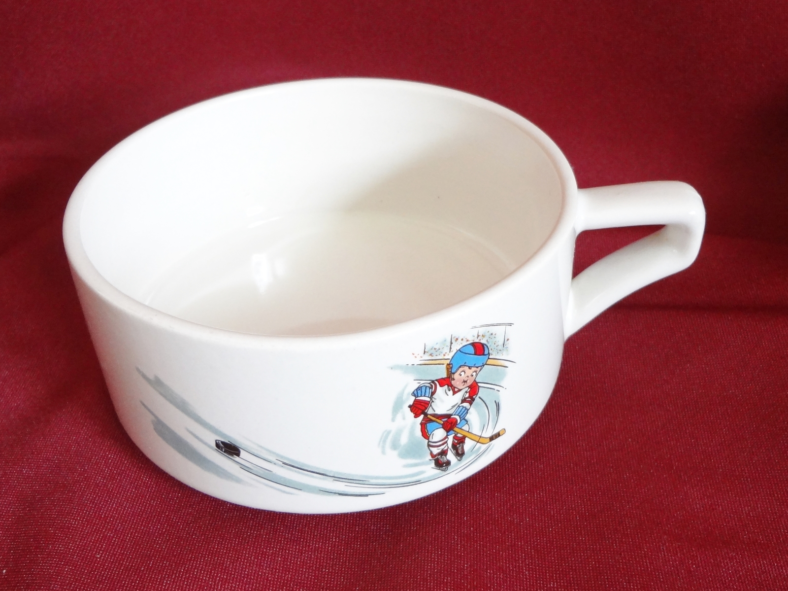 Campbell Kid 10 oz Handled Soup Mug Bowl Cup Ice Hockey Sports