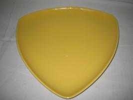 Homer Laughlin Triangle Platter yellow RARE - $11.43