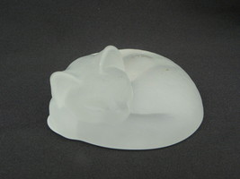 Vintage Royal Cumberland Frosted Glass Sleeping/Napping Cat/Kitten Paper... - $12.99