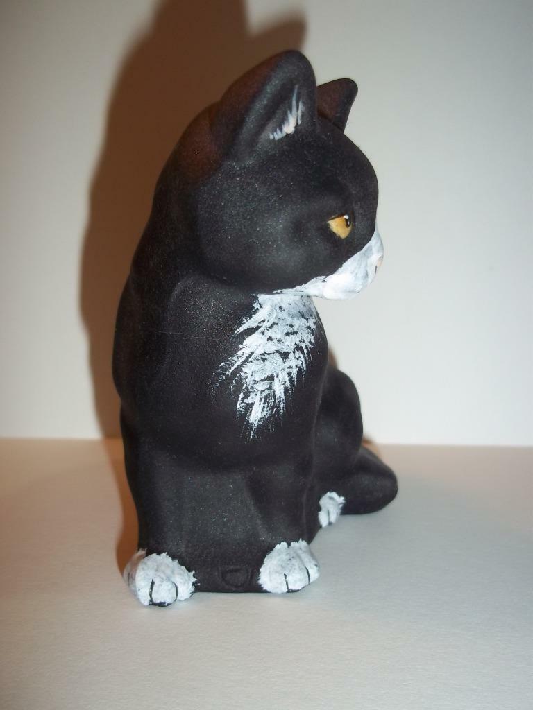 Fenton Glass Black & White Tuxedo Sitting Cat M Kibbe GSE Ltd Ed #15/39