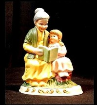 Figurine Mother Daughter Reading AB 775 Vintage