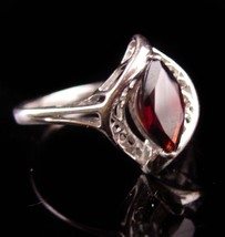 Marquise Garnet ring - Vintage Sterling size 8 ring - January  Birthston... - $75.00