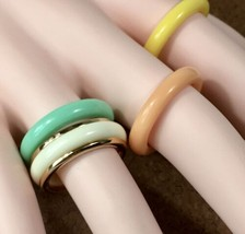 Set of 4 Lucite/Bakelite Rings, Avon COLOR-GO-ROUND, Tropical Colors Siz... - $28.01