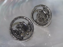 Vintage Swank Signed Pair of Cut-Out Silvertone Medieval Knight Round Cu... - $13.99
