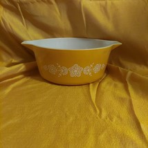 Vintage Pyrex Butterfly Gold Oven Wear 475-B 2 1/2 Quart - $29.00