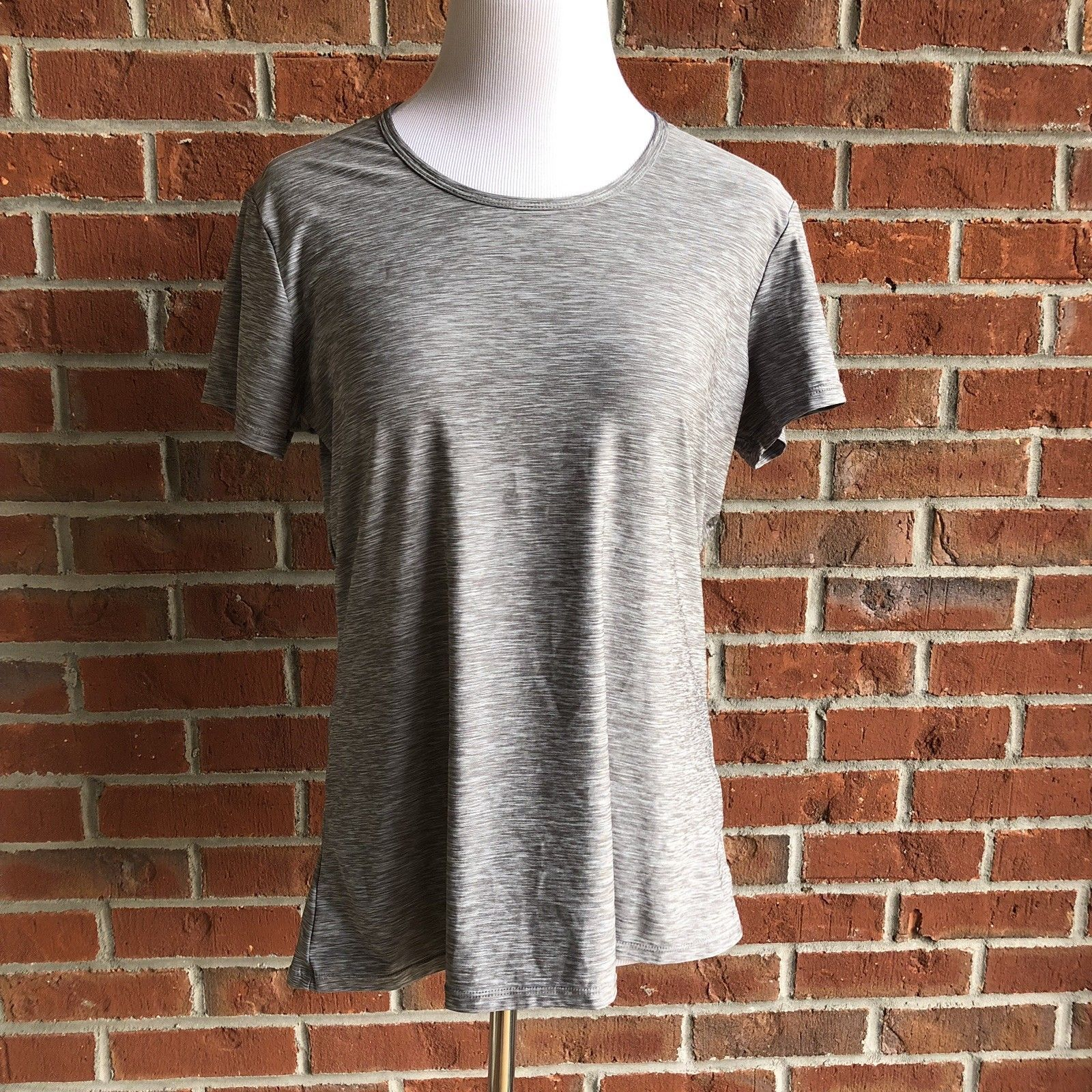 32 Degrees Cool Short Sleeve Top - Size XL