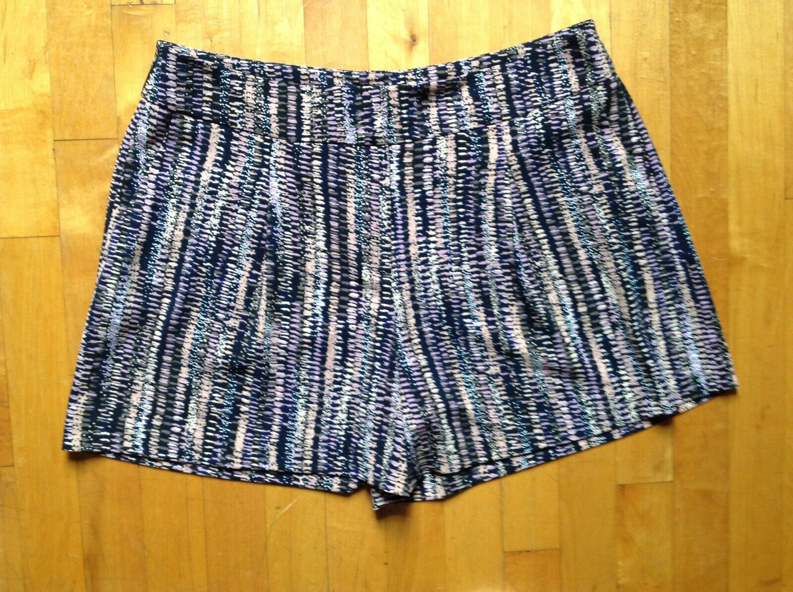 Primary image for Ann Taylor Shorts  Size 8 Festive Pink  Multi Color
