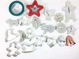 Lot 20 Vintage and New Cookie Cutter Christmas Easter Halloween Animals ... - $15.83