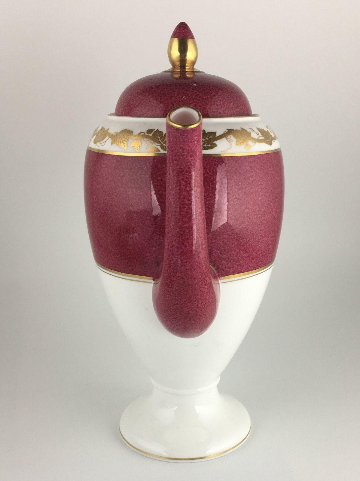 Wedgwood Whitehall Ruby W3994 Coffee pot & lid image 2