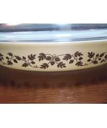 Vintage Pyrex Oval Gold Oak Leaves 1 1/2 Quart Baking Dish + Lid - $28.04