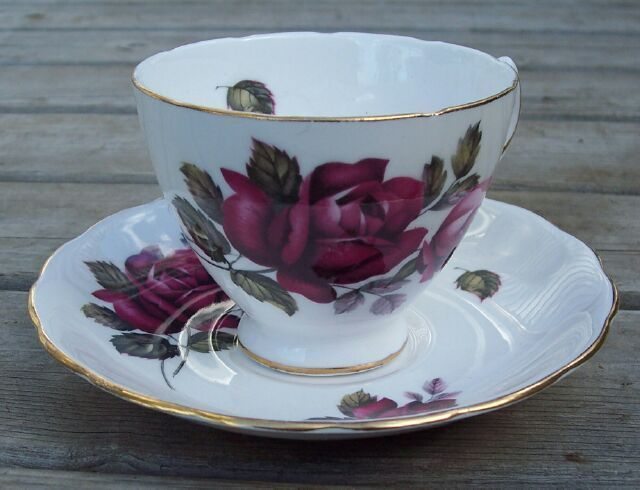 Primary image for Royal Vale Red Rose Tea Cup & Saucer Set Mint