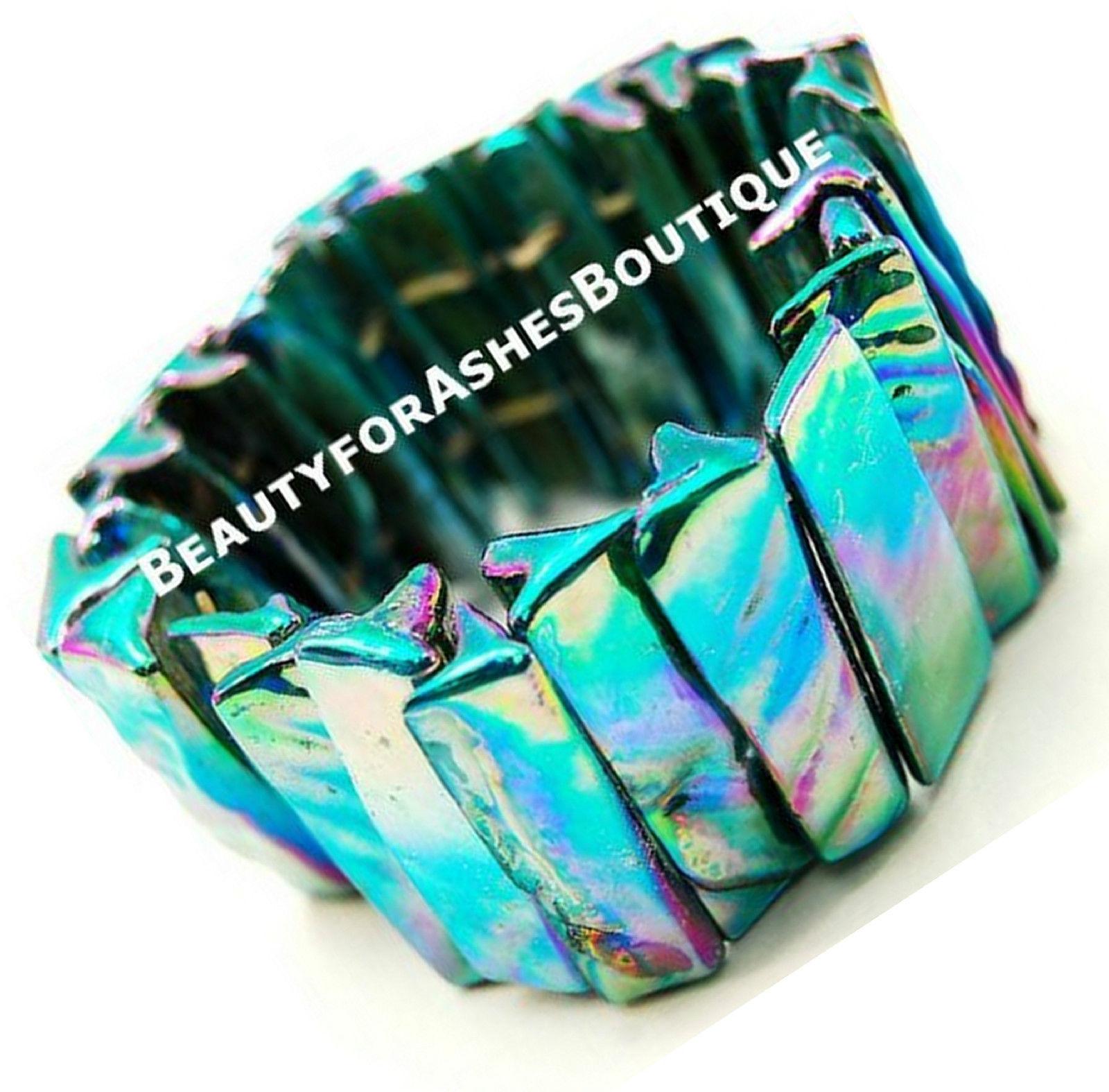MOP Sea Shell Mother-of-Pearl Rainbow Pool Ocean Beach Resort Stretch Bracelet