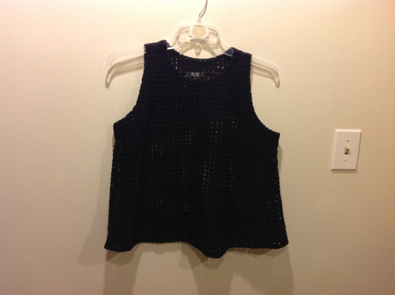 AYR Black Textured Sleeveless Blouse w Circular Geometric Pattern