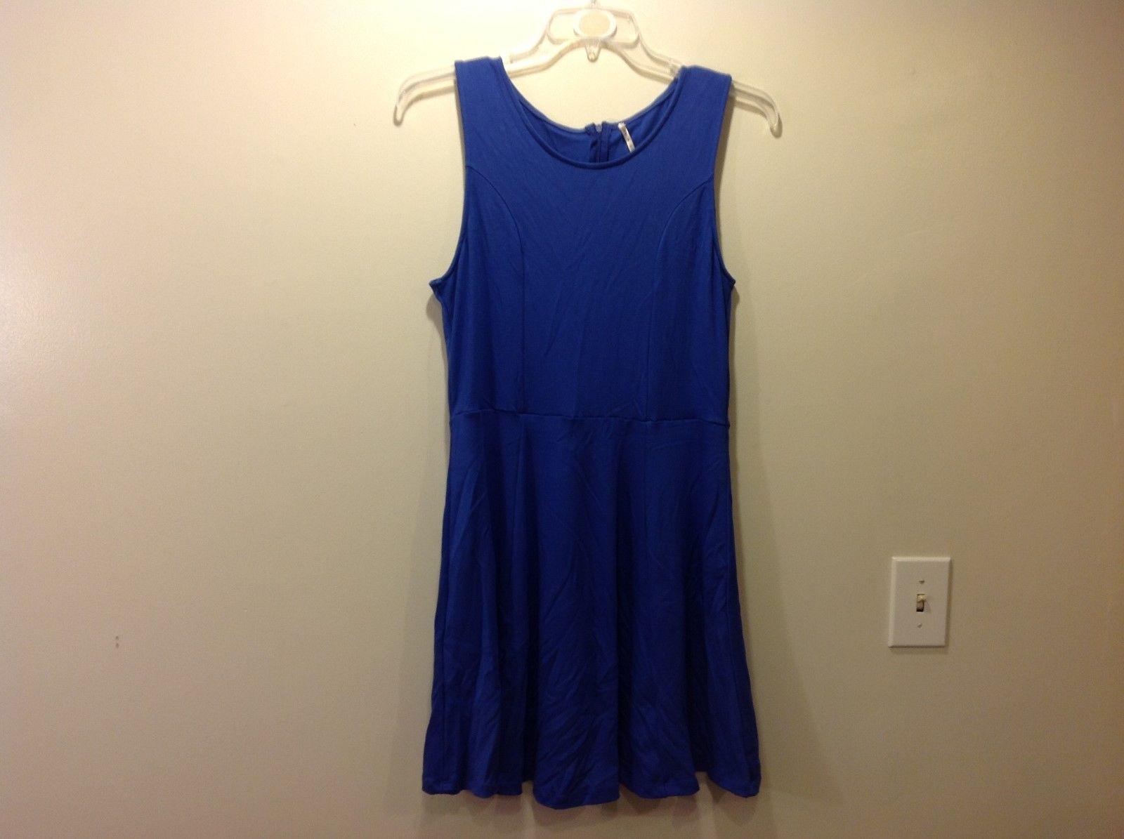 Ladies Flexible Blue Sleeveless Dress w Zip Back Sz M
