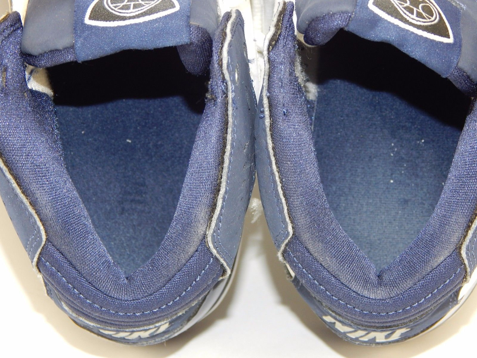 Nike Temptation Men's Basketball Shoes Size US 9 M (D) EU 42.5 White 366809-141