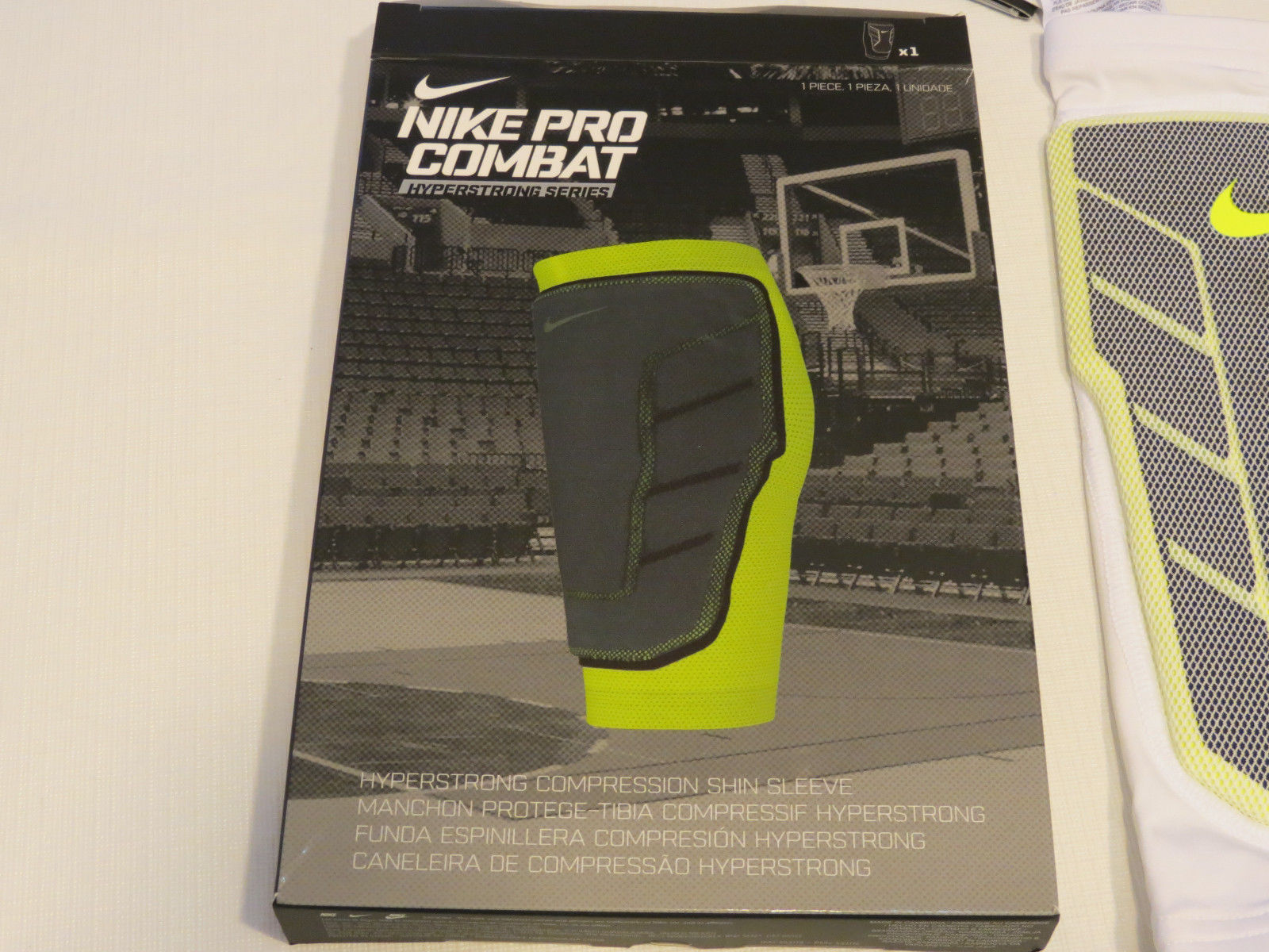 d62f045122 Nike Pro Combat Hyperstrong Compression Shin Sleeve (1Sleeve) 613977 white  100 S