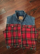 WOMENS SIZE L GAP PLAID VEST - $10.39