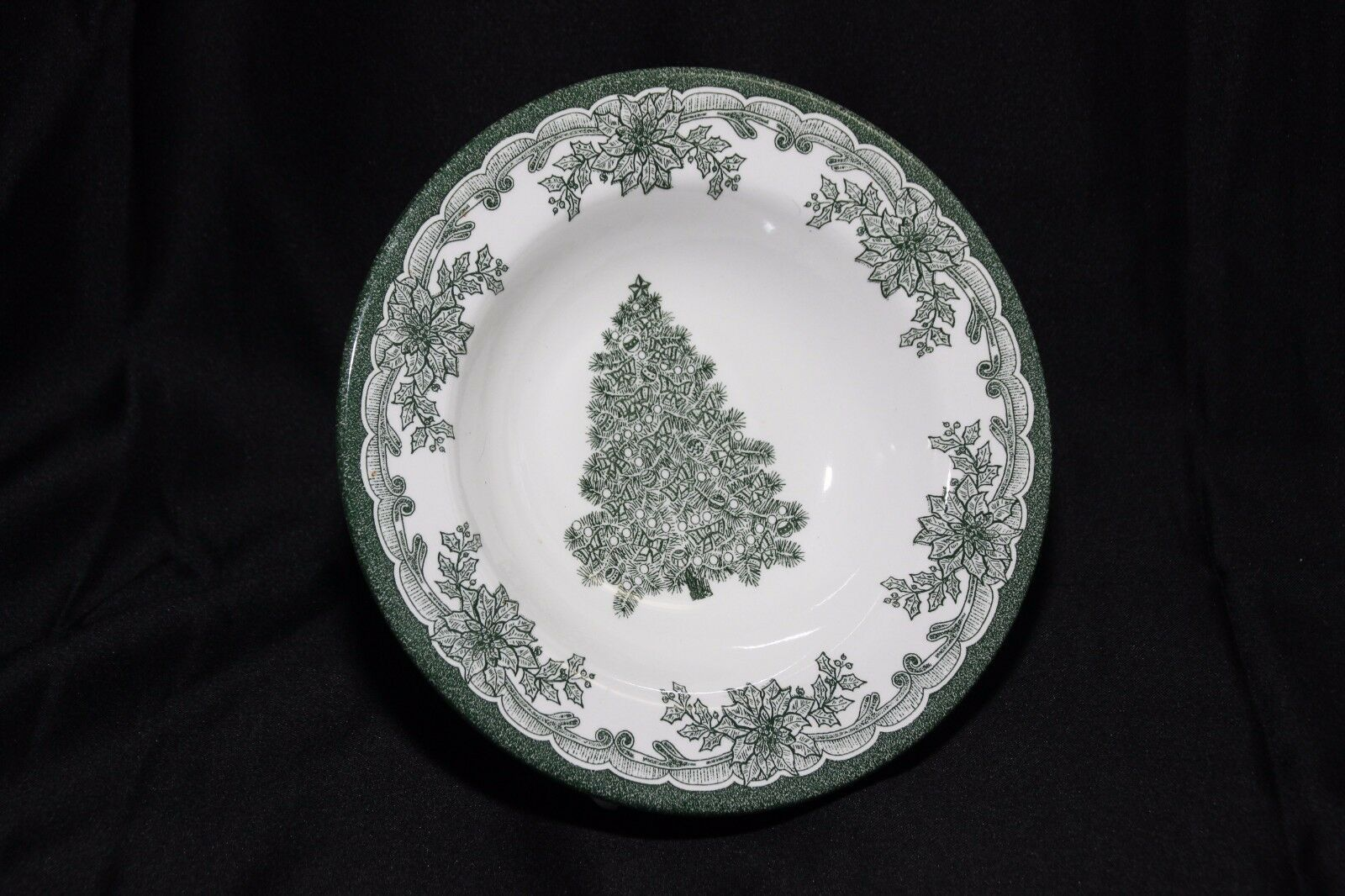 Staffordshire Engravings Yuletide Green Salad Plates and Soup Bowls image 2