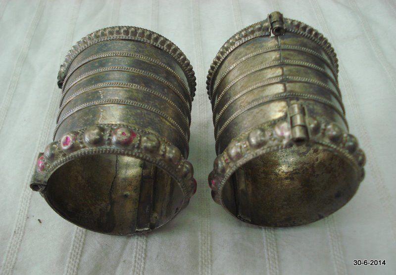 vintage antique tribal old silver cuff bracelet bangle belly dance rabari jewelr