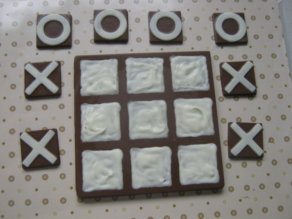 Primary image for Solid chocolate playable tic tac toe edible chocolate game board