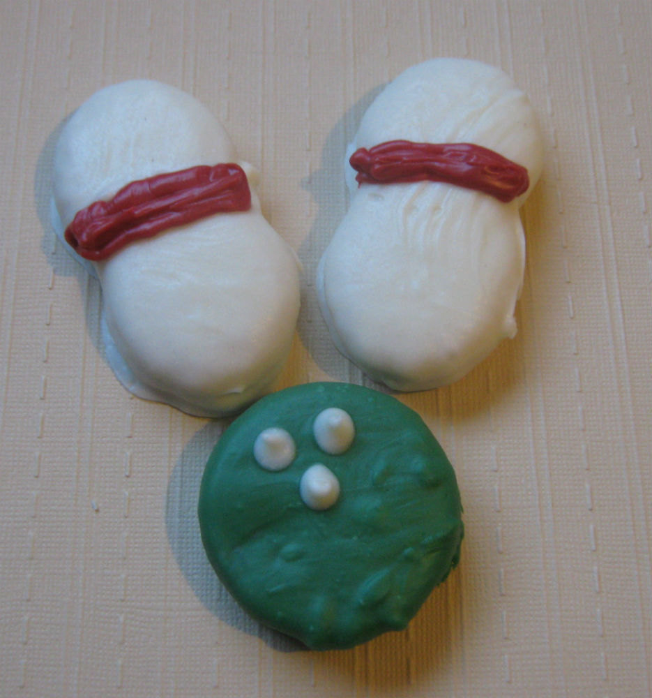 3 piece bowling ball and bowling pins chocolate covered sandwich cookie and pean image 3
