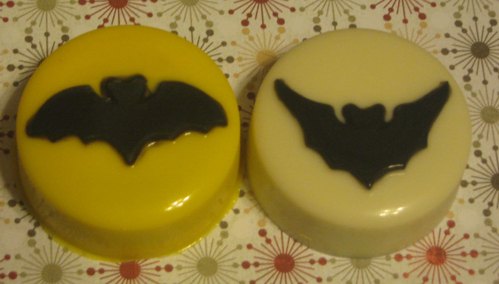 Primary image for One dozen bat design chocolate covered sandwich cookie party favors Halloween tr