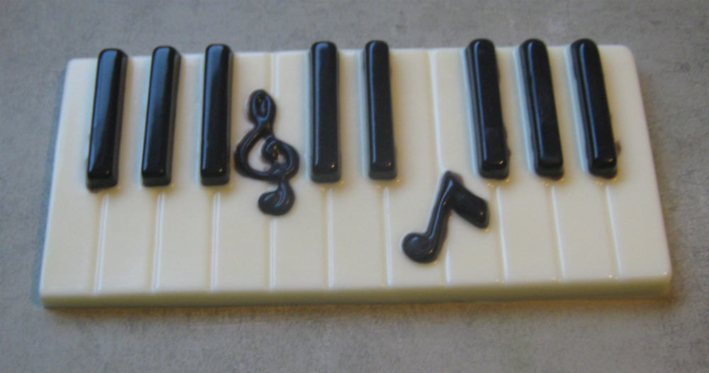 Solid chocolate piano keys keyboard with music note centerpiece cake topper image 2