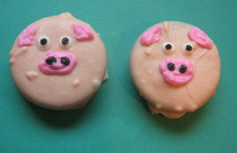 One dozen piggy design chocolate covered sandwich cookie party favors image 2