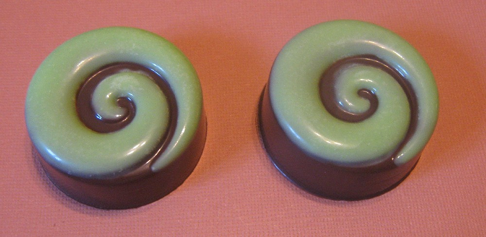 One dozen spiral design chocolate covered sandwich cookie oreo party favors image 2
