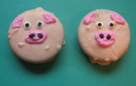 One dozen piggy design chocolate covered sandwich cookie party favors image 4